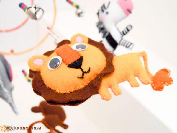 Vilten mobiel leeuw